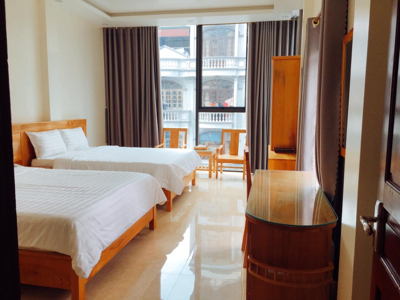 phòng đôi nhà nghỉ giá rẻ gần bãi biển, công viên sunworld Bãi Chạy Hạ Long