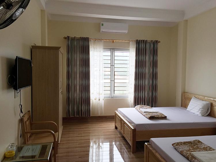 Phòng 2 giường to Nhà nghỉ Việt Dũng giá rẻ Bãi Cháy